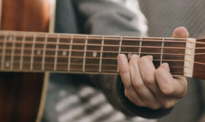 Read more about the article The Notes on Guitar Strings – Master the Fretboard