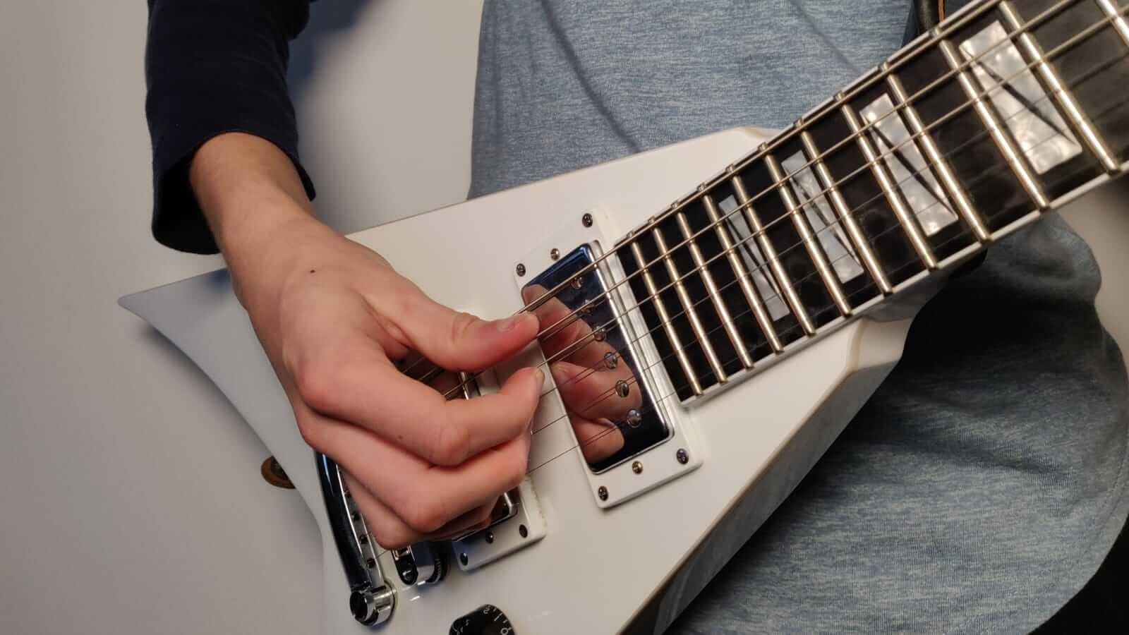 You are currently viewing Can You Play Electric Guitar Without a Pick?