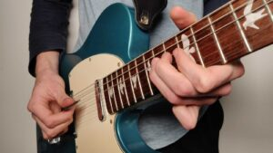 Read more about the article How to Play Electric Guitar Notes for Beginners