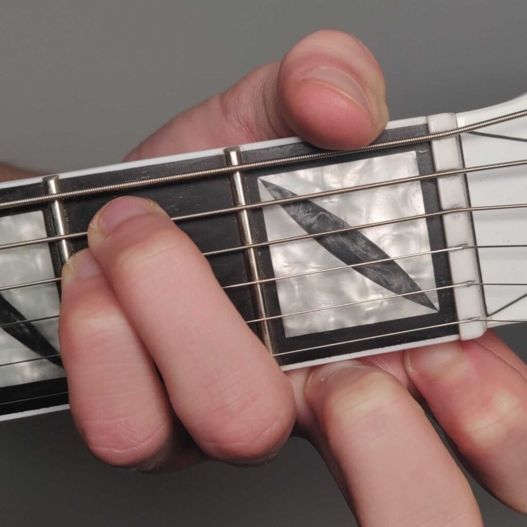 Em chord with different fingering